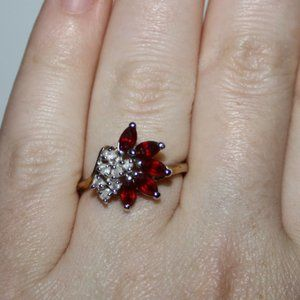 Beautiful vintage gold and ruby 14K GE ring
